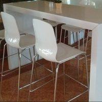 Tischbrücke weiß mit passenden Stühlen